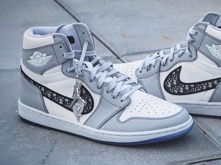 Dior x Nike Air Jordan 1 High OG 1
